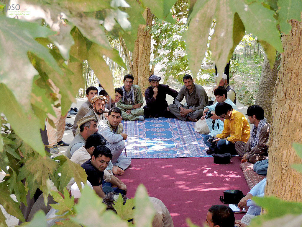 people with different background discussing about the 'trust' in Balkh provice.